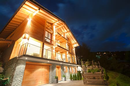 Chalet Grand Loup ***** luxury B&B - เนนดาซ