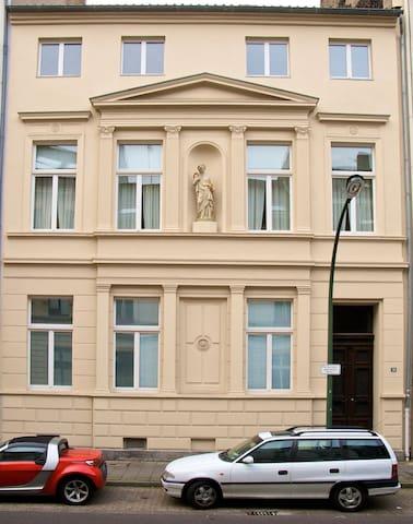 zentrale Fremdenzimmer Wolgast - Dusseldorf - Dom