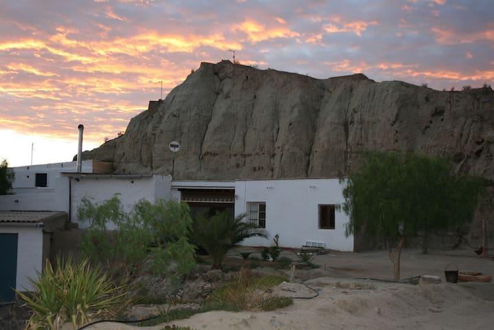 CASA CUEVA en paraje con Encanto - Tabernas - 洞穴