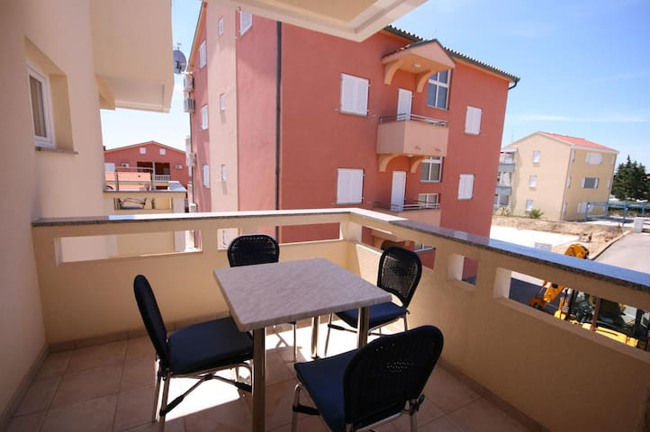 Studio flat with terrace Novalja (Pag) (AS-3294-a)