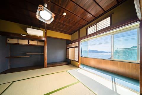 松山からフェリーで15分。興居島でゆっくりとした時間を過ごしませんか?