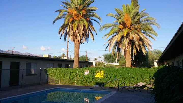 1 Bedroom Apt (2109) with Pool