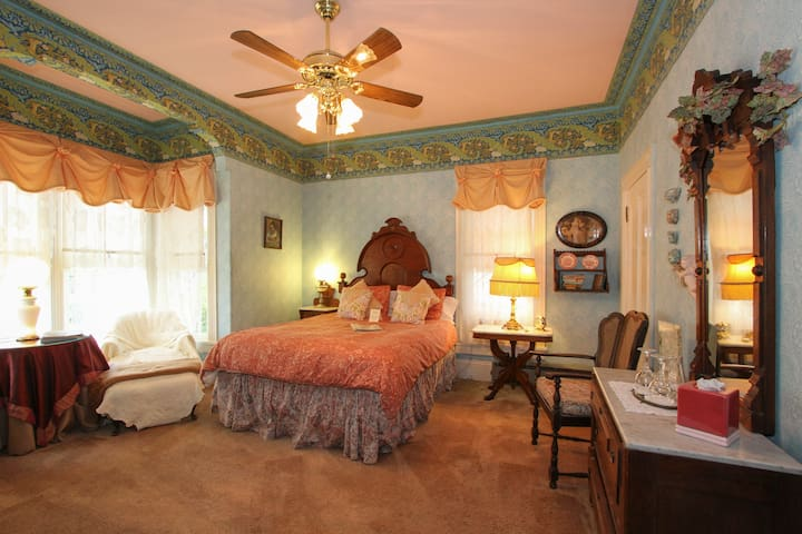 Victorian Room - Geyserville - Bed & Breakfast