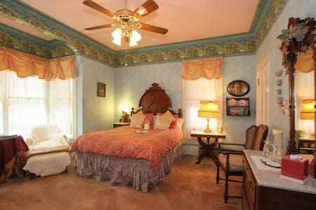 Victorian Room - Geyserville - Bed & Breakfast