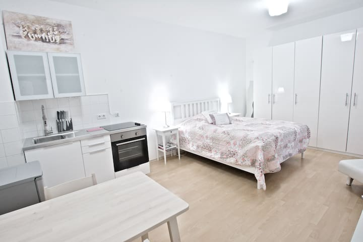 Beautiful apartment in Friedrichshain with Wifi