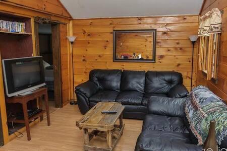 Twin Mountain House - Carroll