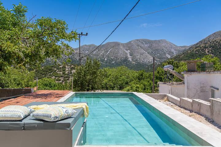 Traditional/Lux villa★Crete Mountains★Private pool