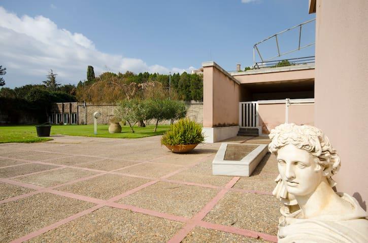 Villa Pizzu Palummu - Red Room - Acireale - Villa