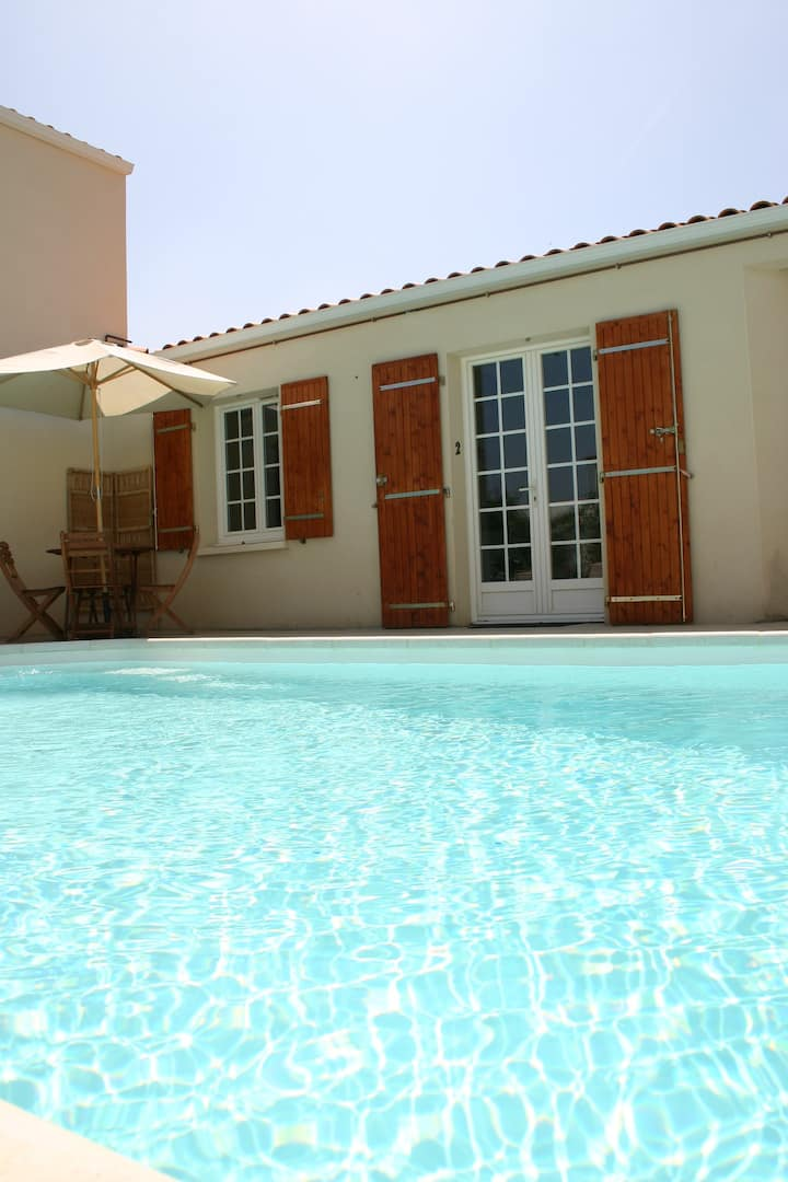 A2 Apartment, great location + Pool, La Rochelle