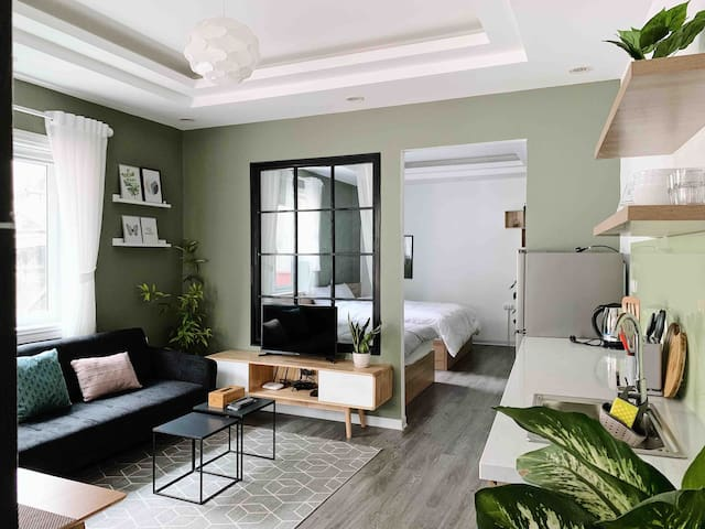 ChuoiHome/Green Apt/Terrace/1 min to HoanKiem Lake