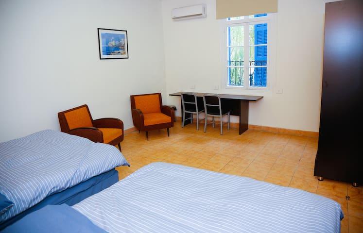 Saifi Apartment (Double Room)