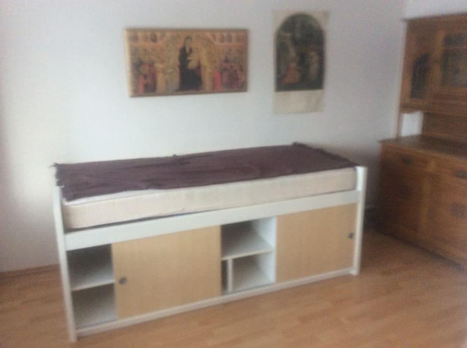 Das neue Bett. Mit jede Menge Stauraum.