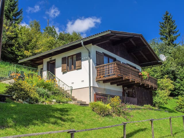 Gemütliches Ferienhaus - Saurachberg - Huis