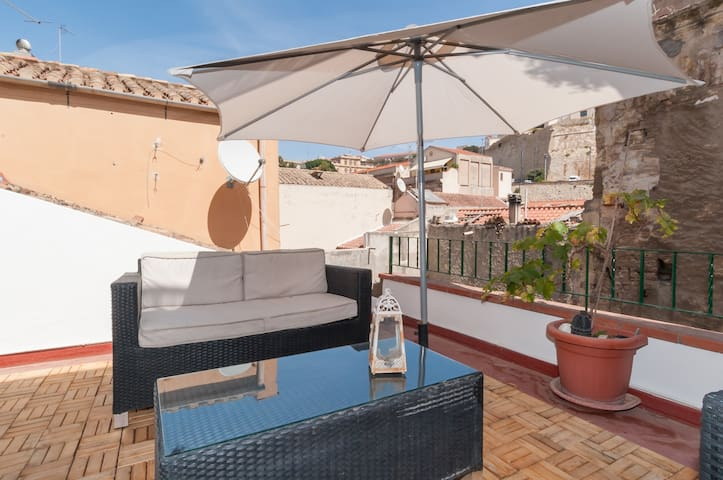 Studio Apartment with Roof Terrace - Cagliari - Leilighet