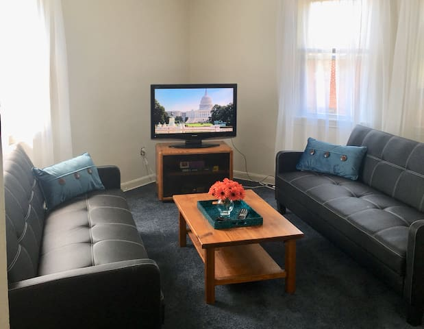 Clean and fresh apartment, close to all things