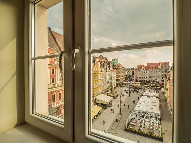 Cosy and bright/ Rynek Square
