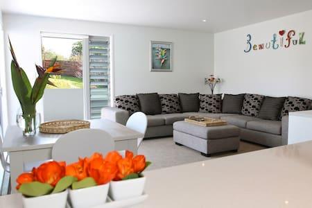 Kokomo Retreat - Kiwiana Apartment - Russell - Wohnung
