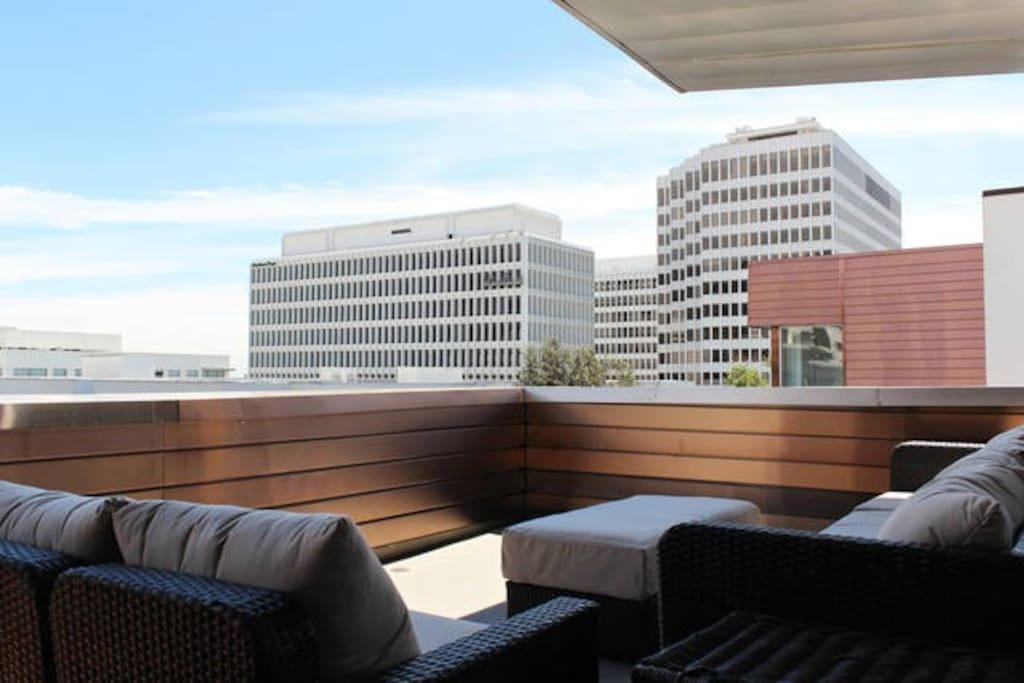 Beautiful Patio with Amazing Pasadena Views