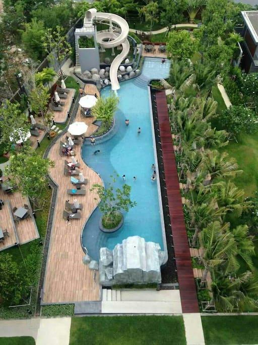 公共泳池1楼