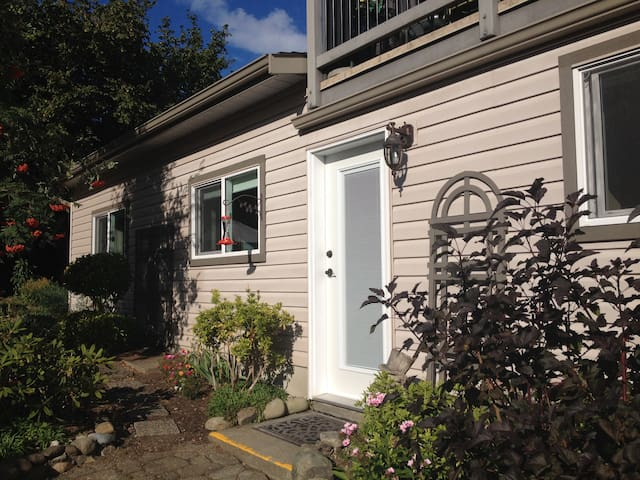 Cozy Courtenay Garden Suite - Courtenay - Pis