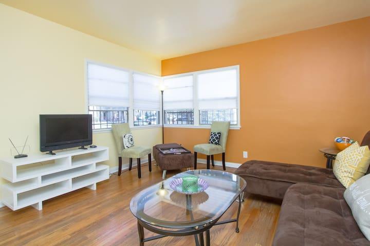 Full Apt-Brite & Cozy near USC/DTLA - Los Angeles - Apartment