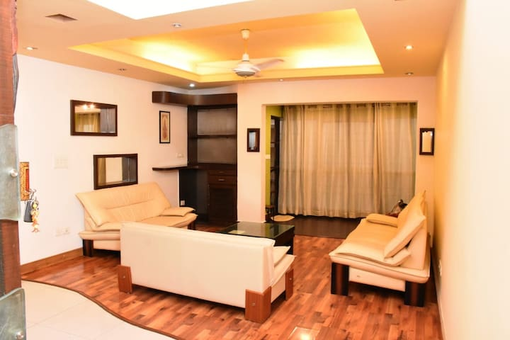 Cosy Comfortable Duplex 3 Bhk Flat Official Apartment In India 3 Bedroom 3 Bathroom