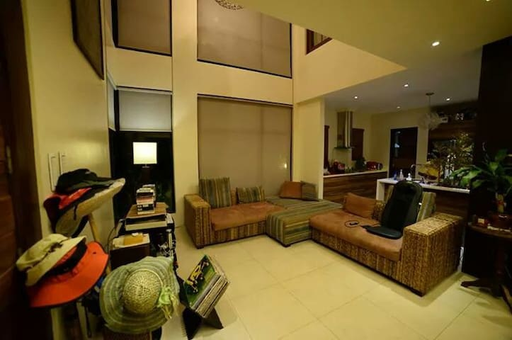 Mango groove residence, near Beach - Subic Bay Freeport Zone - House