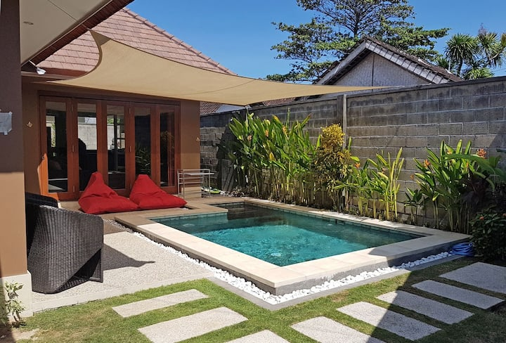 Cozy 2 bedrooms pool Villa on beach side Sanur