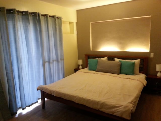 3BR Condo in Ohana Place Alabang - Las Pinas - Apartment