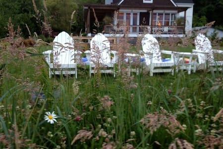 Hood Canal Private Beach House - Seabeck - Rumah