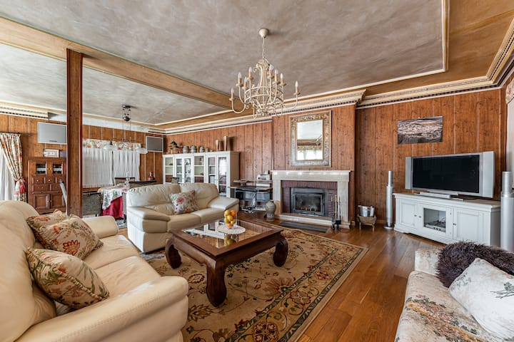 BNBHolder Deluxe Cottage TITULCIA