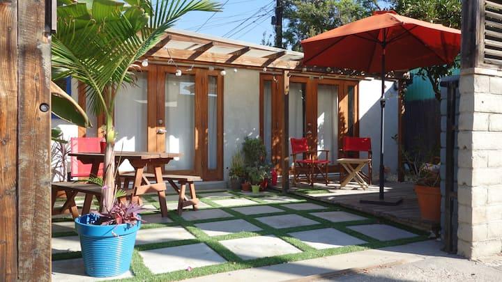 Cool westside bungalow