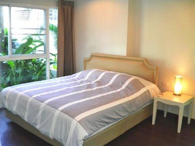 2Br condo center huahin access direct pool