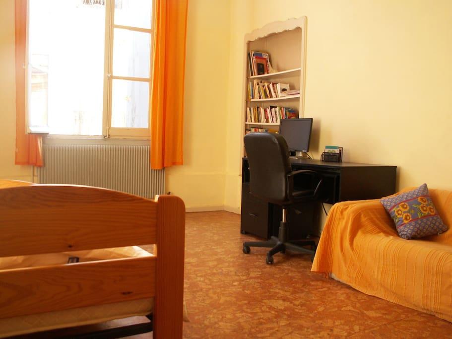 Chambre 18m2 centre historique appartements louer for Chambre 18m2