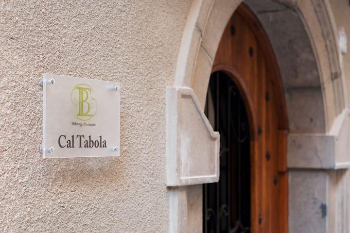 BARONIA: CAL TABOLA