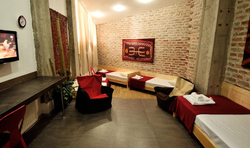 Hotel PIPO (Four Beds) - Gudauri - Bed & Breakfast