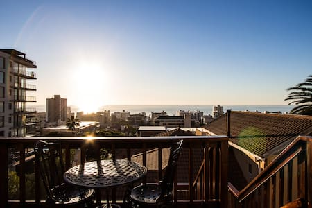 SANITIZED | AMAZING VIEW Studio Upper Sea Point