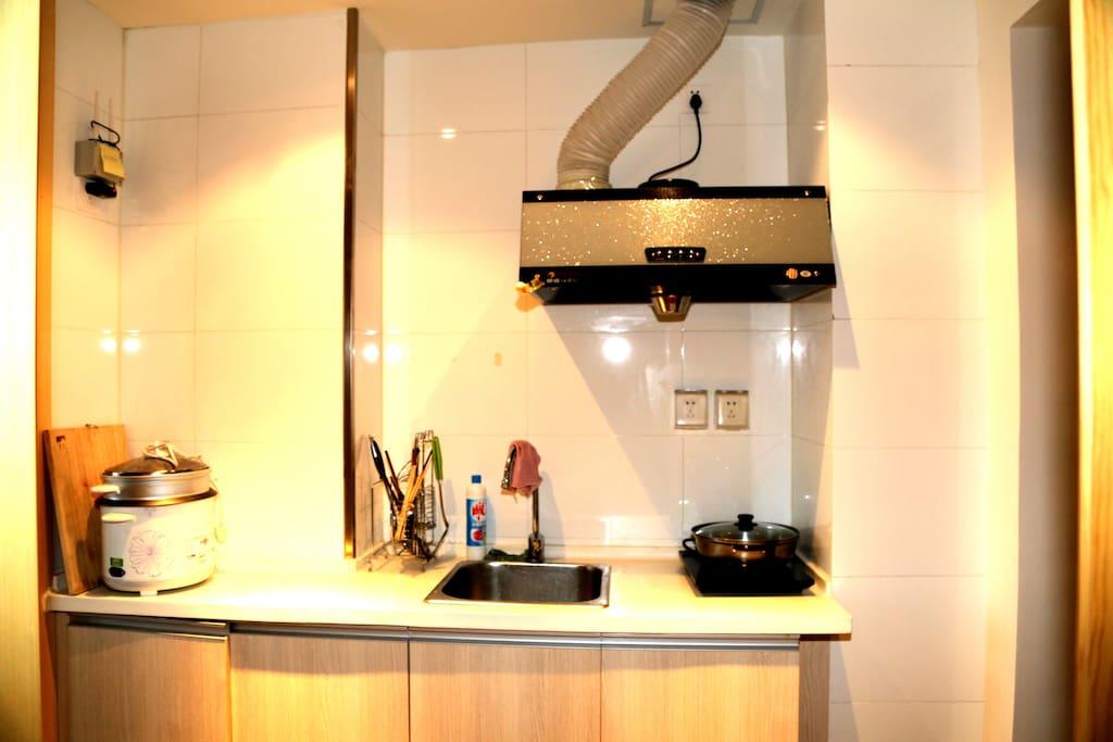 这是厨房!什么装备都有真的是拎包入住