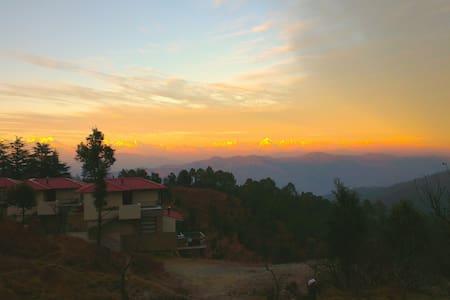 Sitla Estate, a mountain retreat. - District Nainital - Szoba reggelivel
