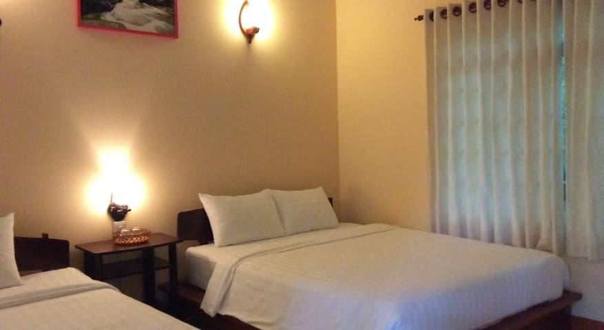 Phu Quoc B&B - Deluxe Bungalow - Phu Quoc Island - Bed & Breakfast