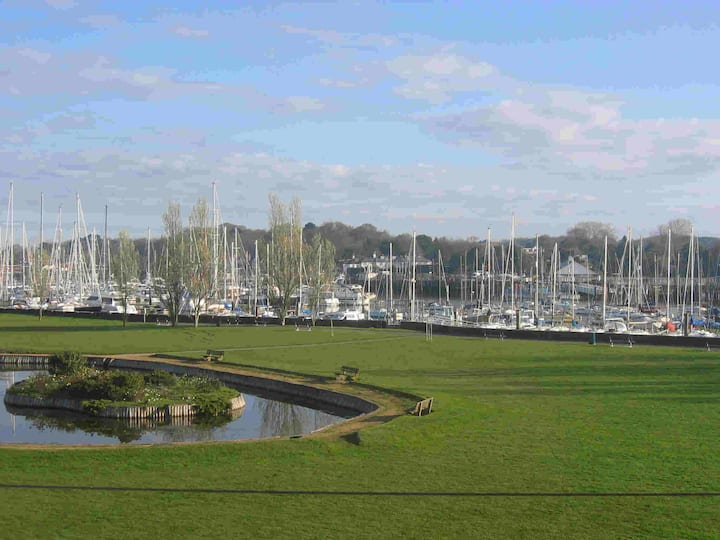 Stunning views over Lymington river
