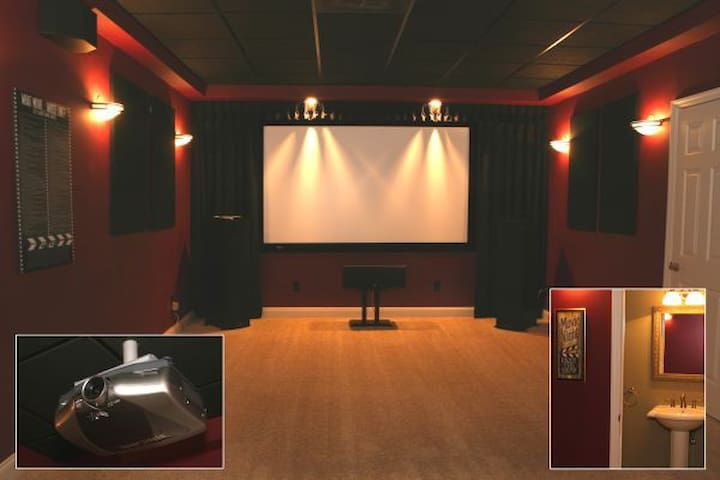 Large, Updated 5/6 BR/5BA MovieTheater, 1.25 Acres