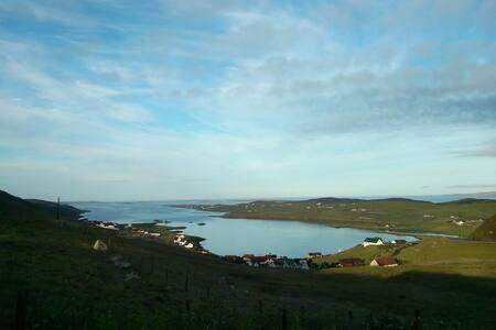 Fab Shetland view! Double room & own bathroom :) - 獨棟