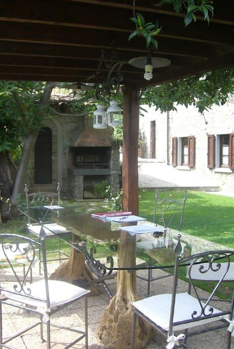 Dove cucinara succulente grigliate e gustarle nell'esclusivo gazebo