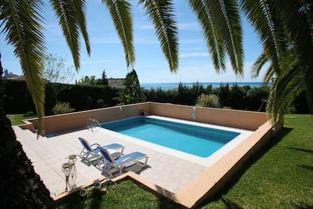 Great 2 bed in large villa Estepona - Appartement