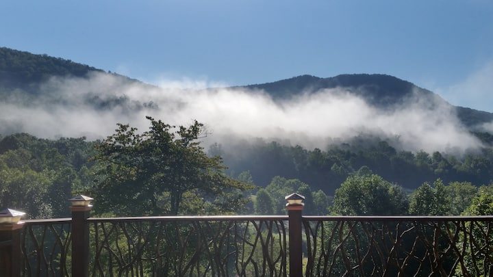 A Couples Retreat with Pristine Mnt. Views