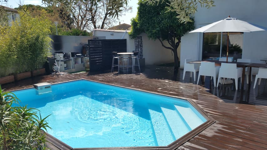 Villa de charme piscine et tout confort - Vergèze - Villa