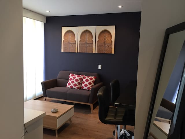 Nice apartment, great zone!-205M
