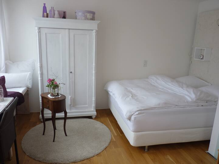room2, double bed, private bathroom, free parking