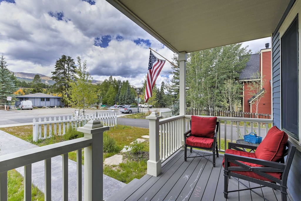 Enjoy the fresh alpine air along with splendid mountain views from this front porch.